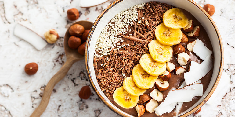 chocolate-hazelnut-smoothie-bowl.jpg